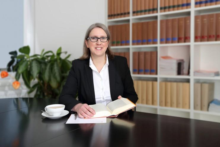 Rechtsanwältin und Fachanwältin Barbara Häring aus Hannover
